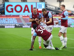 West Ham United players celebrate Michail Antonio's goal against Burnley on January 16, 2021
