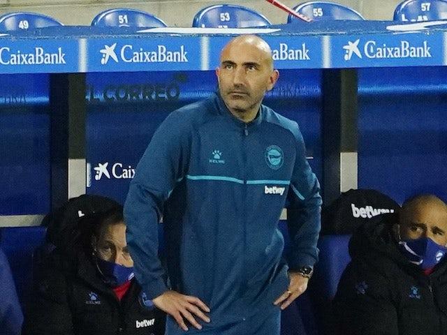 Alaves coach Abelardo Fernandez pictured on January 23, 2021
