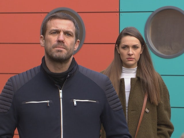 Warren and Sienna on Hollyoaks on February 22, 2021