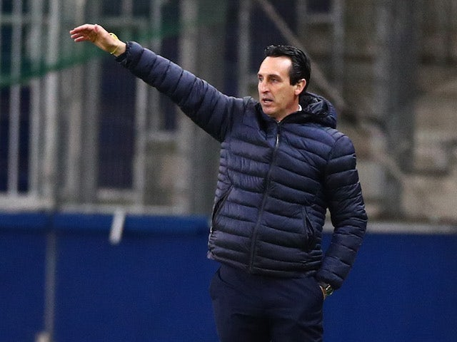 Villarreal coach Unai Emery reacts in the Europa League on February 18, 2021