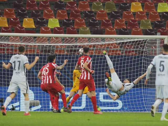 Olivier Giroud scores for Chelsea against Atletico Madrid in the Champions League on February 23, 2021