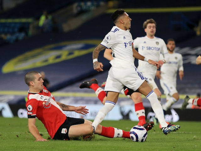 Leeds United's Raphinha in action with Southampton's Oriol Romeu on February 23, 2021