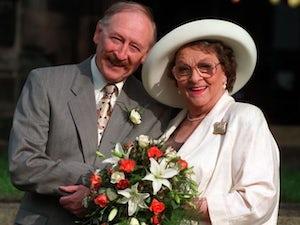 Former Coronation Street star Frank Mills dies, aged 93