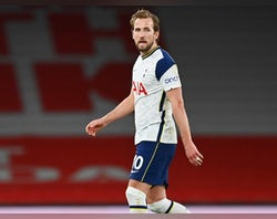 Report: Kane favours Man United, Man City move
