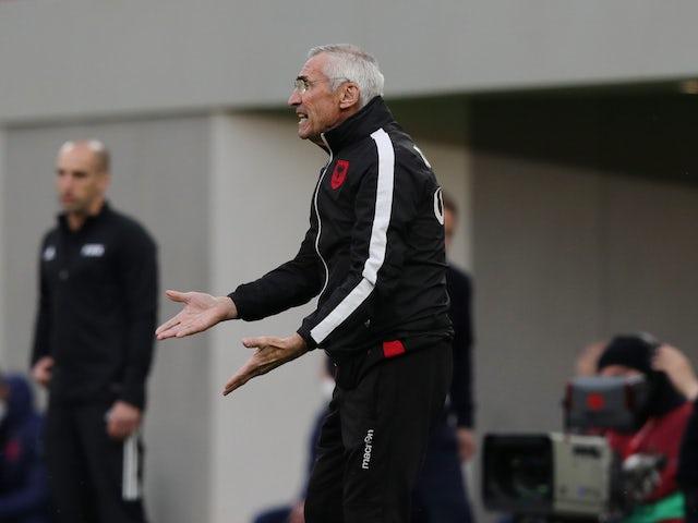 Albánský trenér Eduardo Riga fotografoval 28. března 2021