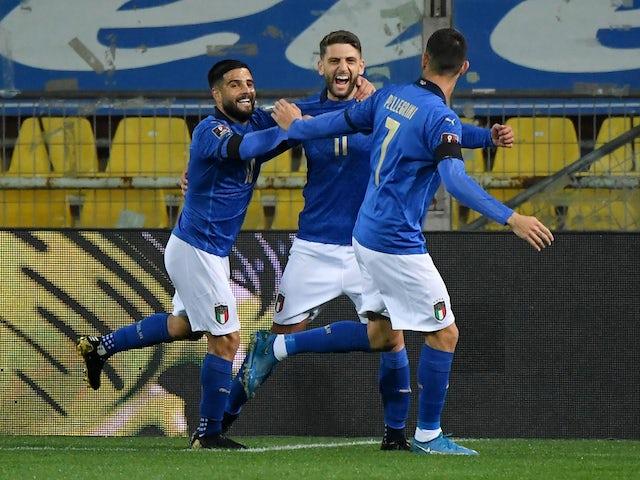 Italijan Dominico Ferrari 25. marca 2021 praznuje gol proti Severni Irski