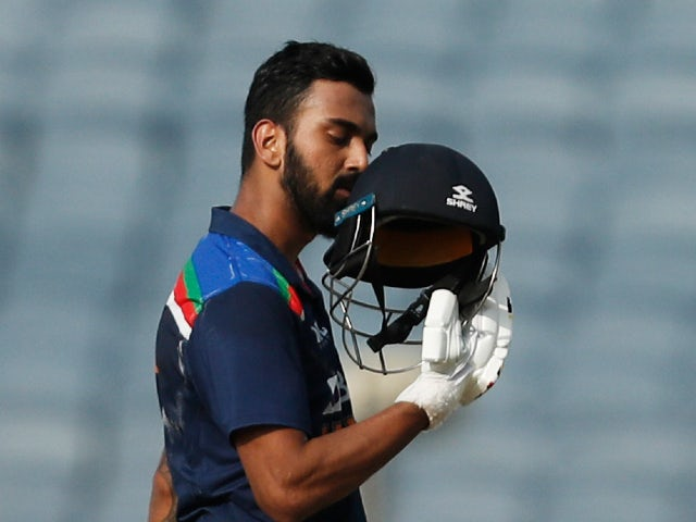 KL Rahul hits century as India post 336 for six against England