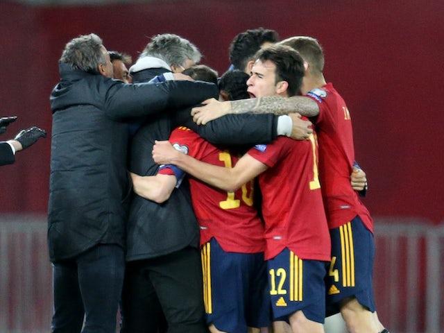 Los jugadores de España celebran su segundo gol de Dani Olmo el 28 de marzo de 2021