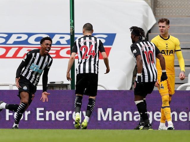 Newcastle United's Joe Willock celebrates scoring against Tottenham Hotspur in the Premier League on April 4, 2021