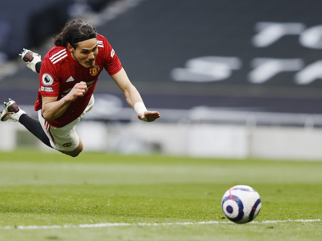 Solskjaer: 'Man United fighting hard to keep Cavani'