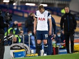 Tottenham Hotspur's Harry Kane limps off injured against Everton on April 16, 2021