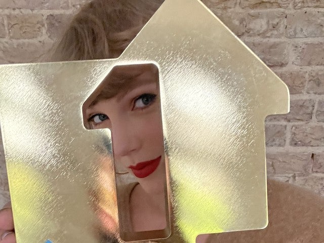 Taylor Swift breaks 54-year-old Beatles chart record