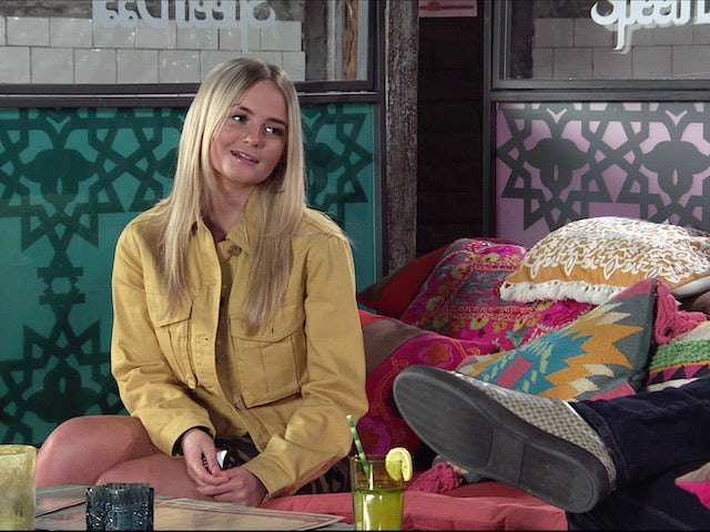 Kelly on the first episode of Coronation Street on May 3, 2021