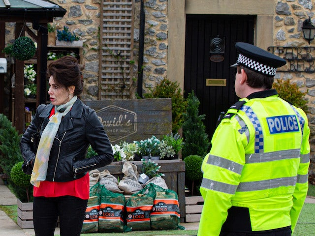 Faith and the police on Emmerdale on May 11, 2021