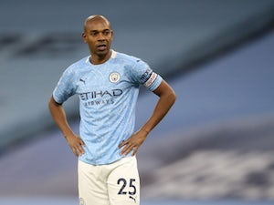Fernandinho 'agrees Man City contract extension'