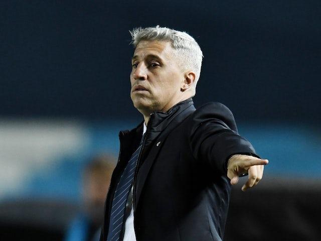 Sao Paulo coach Hernan Crespo during the match on May 5, 2021