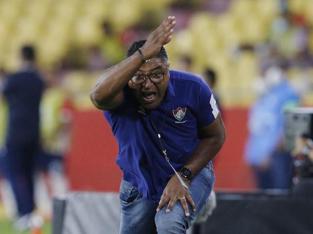 Fluminense's coach Roger Machado reacts on May 6, 2021