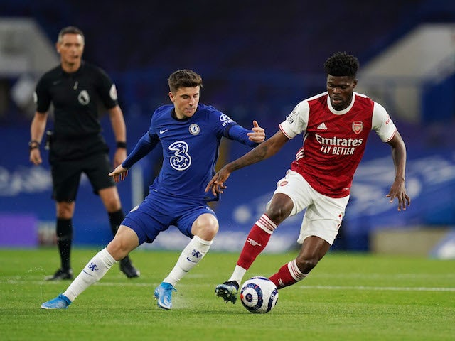 Arsenal's Thomas Partey in action with Chelsea's Mason Mount in the Premier League on May 12, 2021