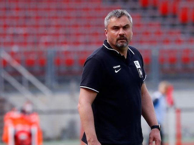 VfL Bochum coach Thomas Reis reacts on May 16, 2021
