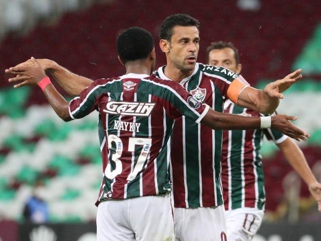 Fred, do Fluminense, comemora o primeiro gol com os companheiros no dia 12 de maio de 2021