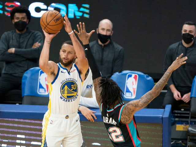 NBA roundup: Steph Curry leads Warriors to eighth seed