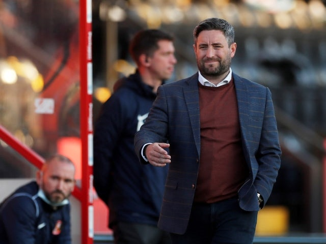 Sunderland's manager Lee Johnson reacts during the match against Lincoln on May 19, 2021
