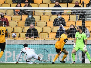 Wolves 1-2 Manchester United: Red Devils complete unbeaten away league campaign