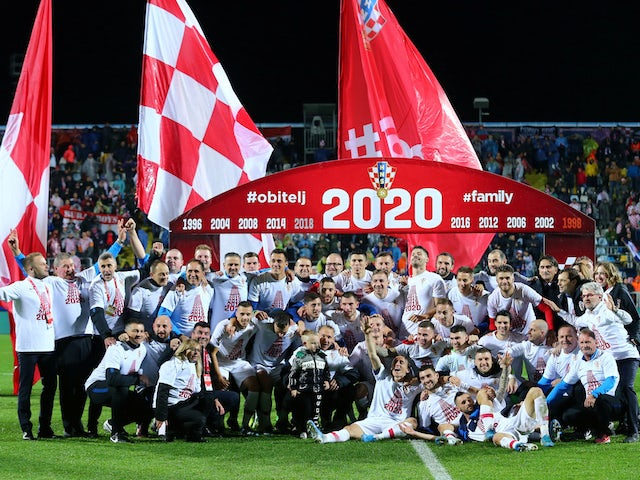 Croatia players celebrate qualifying for Euro 2020 in November 2019