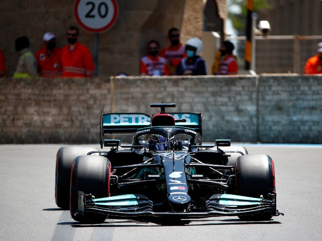 Lewis Hamilton brands chassis claims
