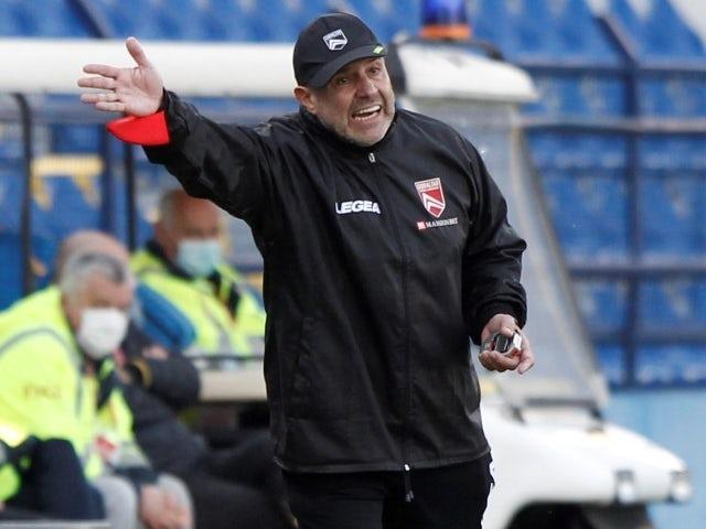 Gibraltāra treneris Hulio Sezars Ribass 2021. gada 27. martā