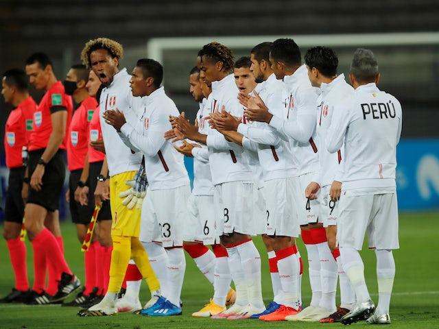 Peru players line up on November 18, 2020