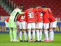 Internacional team huddle before the match on June 16, 2021