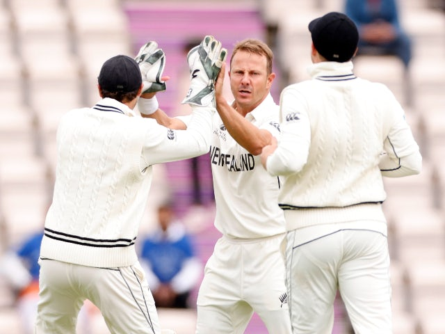 New Zealand seize initiative against India in World Championship final