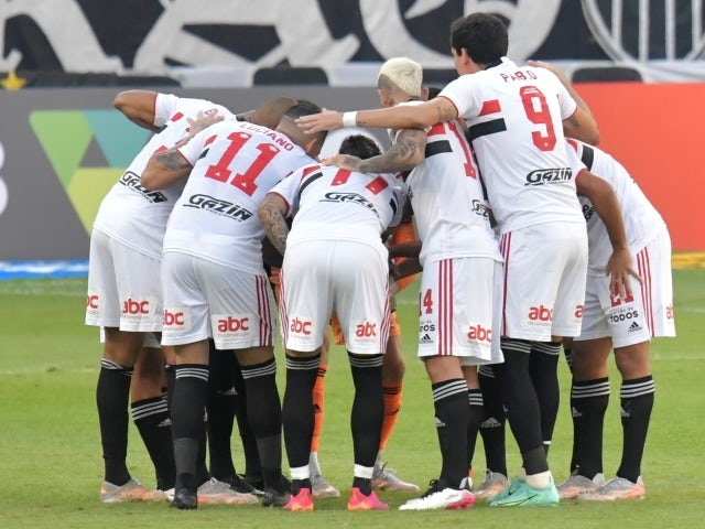 Sao Paulo team huddle before the match on June 13, 2021