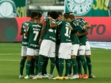 Palmeiras team huddle before the match on June 28, 2021