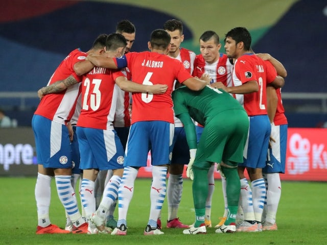 Paraguay team huddle before the match on June 29, 2021