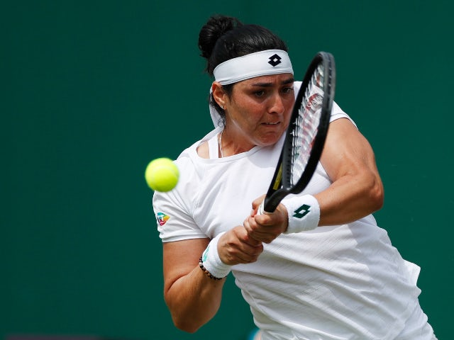 Ons Jabeur fights back to defeat Iga Swiatek at Wimbledon
