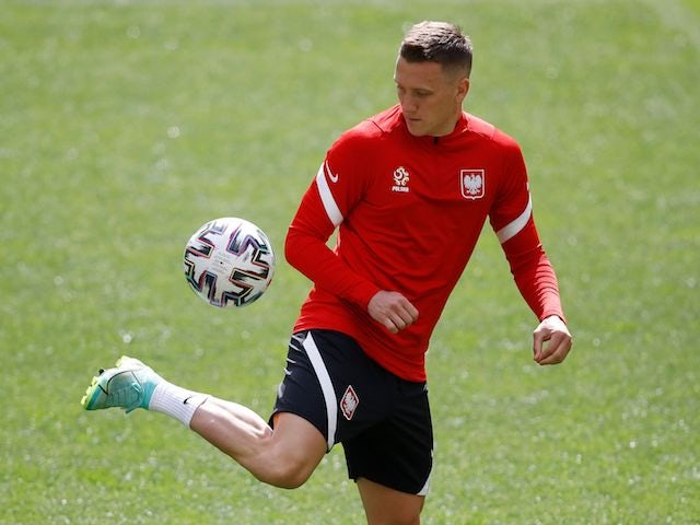 Man United 'make contact with Piotr Zielinski's agent'