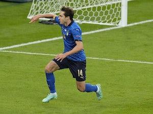 Man Utd 'include Chiesa on three-man transfer shortlist'