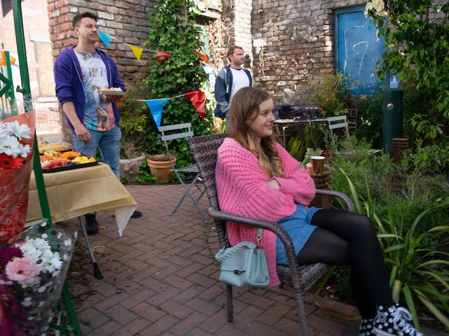 Ryan, Summer and Paul on the first episode of Coronation Street on July 28, 2021