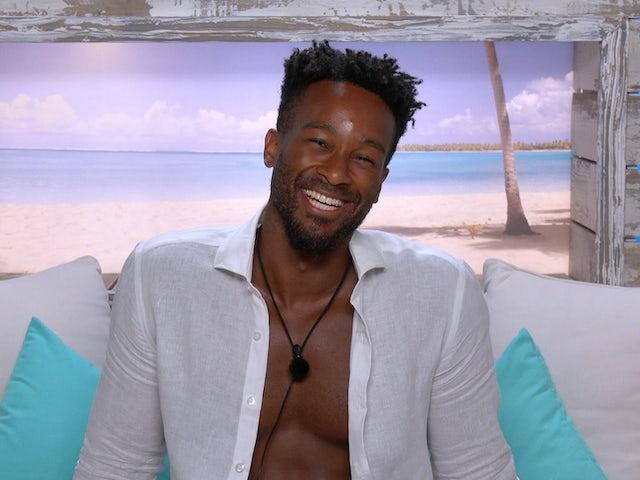 Love Island: Faye compliments Teddy's