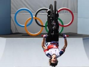 Tokyo 2020 - GB's Charlotte Worthington pulls out stunning tricks for BMX gold