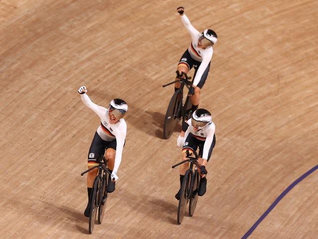 Tokyo 2020: Gemany smash GB's world record in women's team pursuit