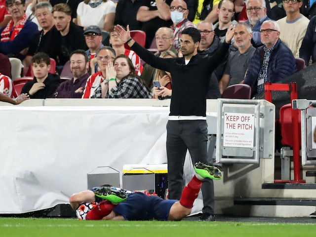 Arsenal manager Mikel Arteta reacts on August 13, 2021