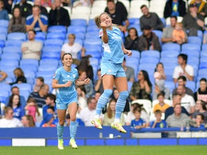 Manchester City open their WSL campaign with an emphatic victory over Everton