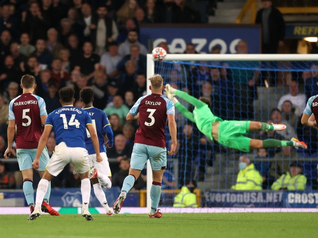 Andros Townsend scores for Everton against Burnley in the Premier League on September 13, 2021