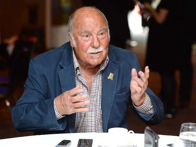 Tottenham and Chelsea unite to remember Jimmy Greaves following death aged 81
