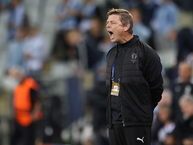 Malmo FF's coach Jon Dahl Tomasson reacts on September 14, 2021