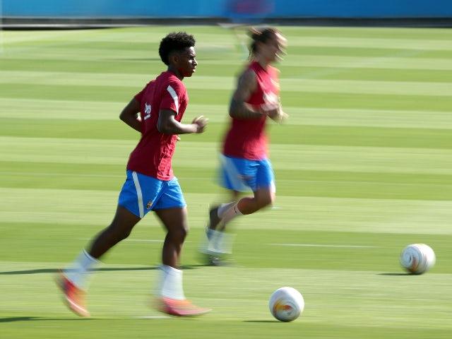 Alejandro Balde in training for Barcelona in July 2021