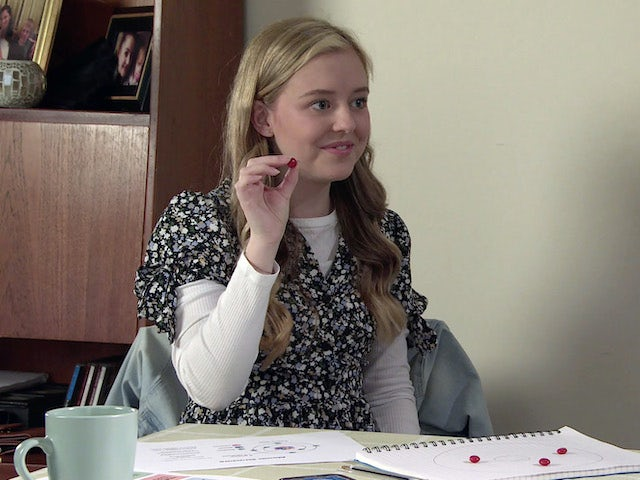 Summer on the second episode of Coronation Street on October 8, 2021